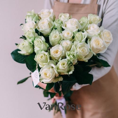25 белых роз Аваланш